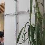 Nagelkreuz am Pfeiler in der Kirche Heilig Kreuz in Halle (Saale)