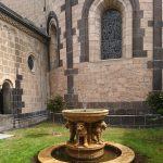 Brunnen im Kloster Maria Laach